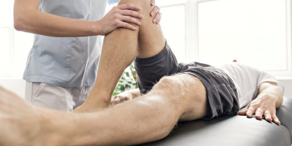 Faire appel à un kinésithérapeute pour soigner ses blessures liées au sport