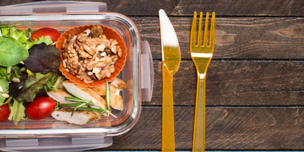 Livraison de plateaux-repas au bureau : quels avantages ?